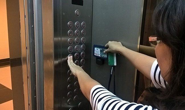 Hệ thống kiểm soát thiết bị cho thang máy